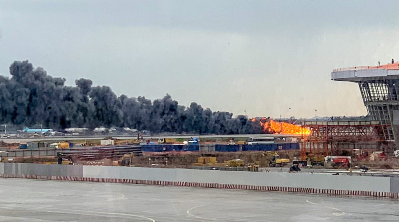 37 Orang Selamat dalam Kebakaran Pesawat Sukhoi di Moskow