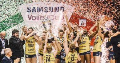 Juarai Liga Serie A, Para Pemain Voli Putri Ramai-ramai Bugil